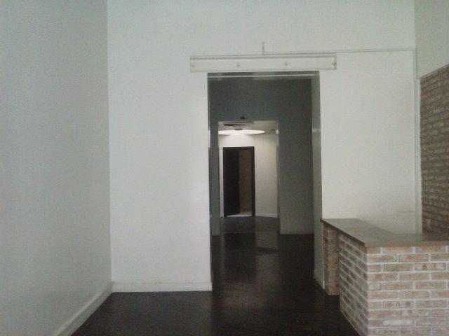 Negozio / Locale in affitto a Latina, 3 locali, zona Zona: Centro storico, prezzo € 1.200 | Cambio Casa.it