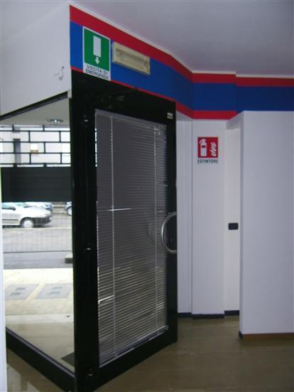 Negozio / Locale in vendita a Latina, 3 locali, zona Località: CAMPO BOARIO, prezzo € 180.000 | Cambio Casa.it