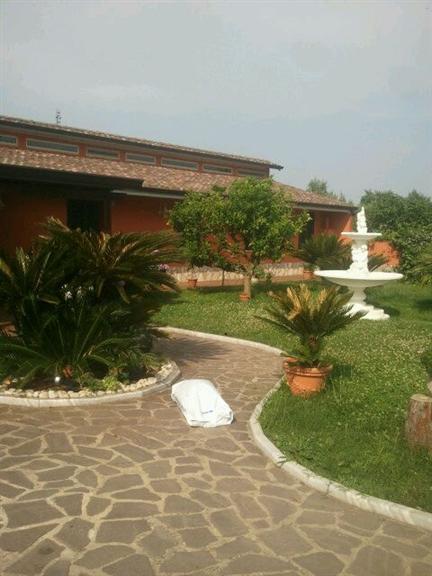 Villa in vendita a Latina, 8 locali, zona Zona: Centro storico, prezzo € 490.000 | Cambio Casa.it