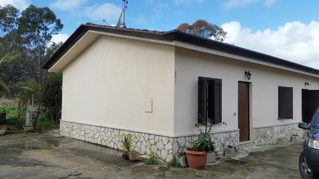 Soluzione Indipendente in affitto a Latina, 3 locali, zona Località: PICCARELLO-PIAZZA MORO, prezzo € 500 | Cambio Casa.it
