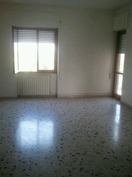 Appartamento in vendita a Latina, 6 locali, zona Località: ISONZO, prezzo € 165.000   Cambio Casa.it