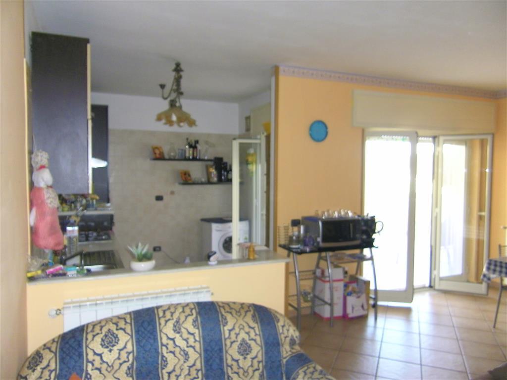 Appartamento in vendita a Latina, 6 locali, zona Zona: Borgo Faiti, prezzo € 158.000 | Cambio Casa.it
