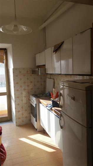 Appartamento in vendita a Latina, 3 locali, zona Zona: Centro storico, prezzo € 65.000 | Cambio Casa.it