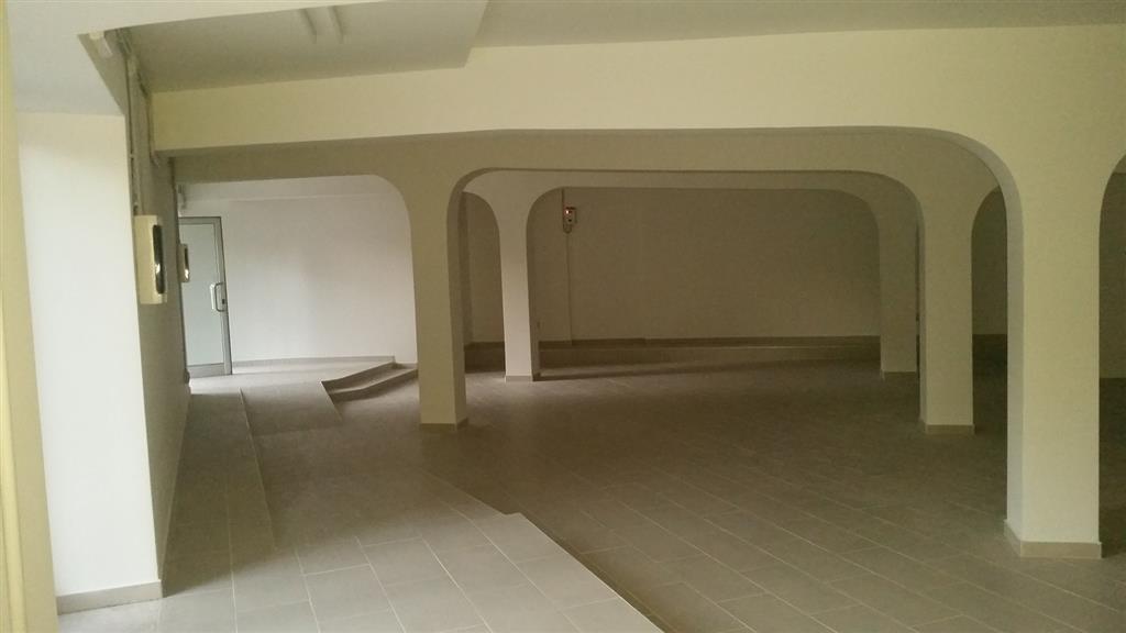 Attività / Licenza in affitto a Latina, 9999 locali, zona Zona: Centro storico, prezzo € 3.000 | Cambio Casa.it