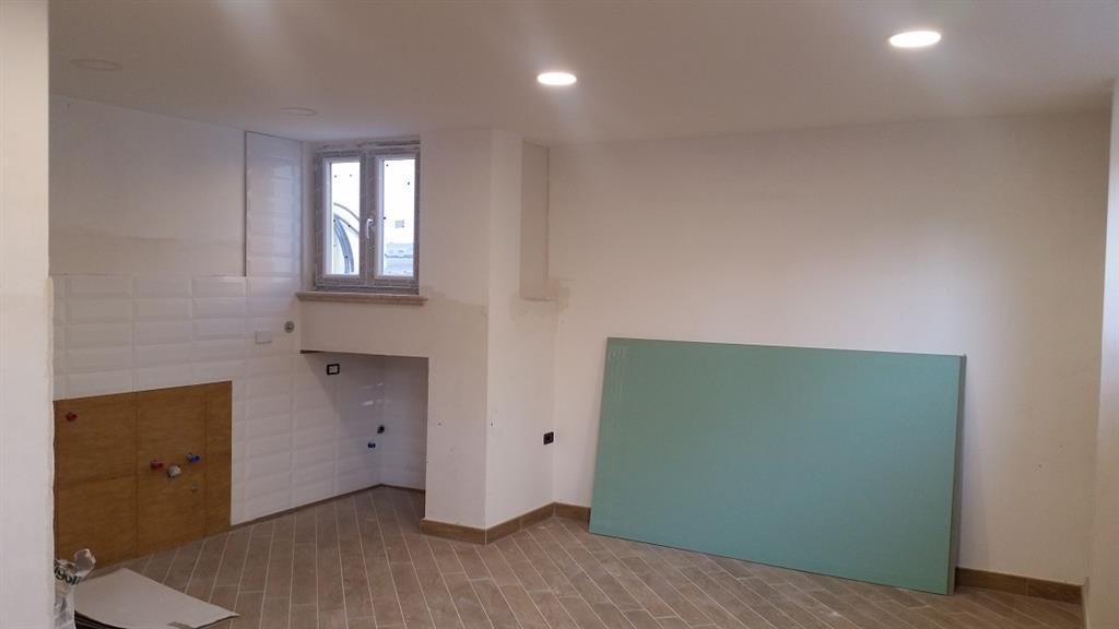 Villa in vendita a Latina, 4 locali, zona Località: GIONCHETTO, prezzo € 125.000 | Cambio Casa.it