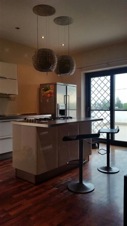 Soluzione Indipendente in vendita a Latina, 5 locali, zona Zona: Borgo Faiti, prezzo € 700.000 | Cambio Casa.it