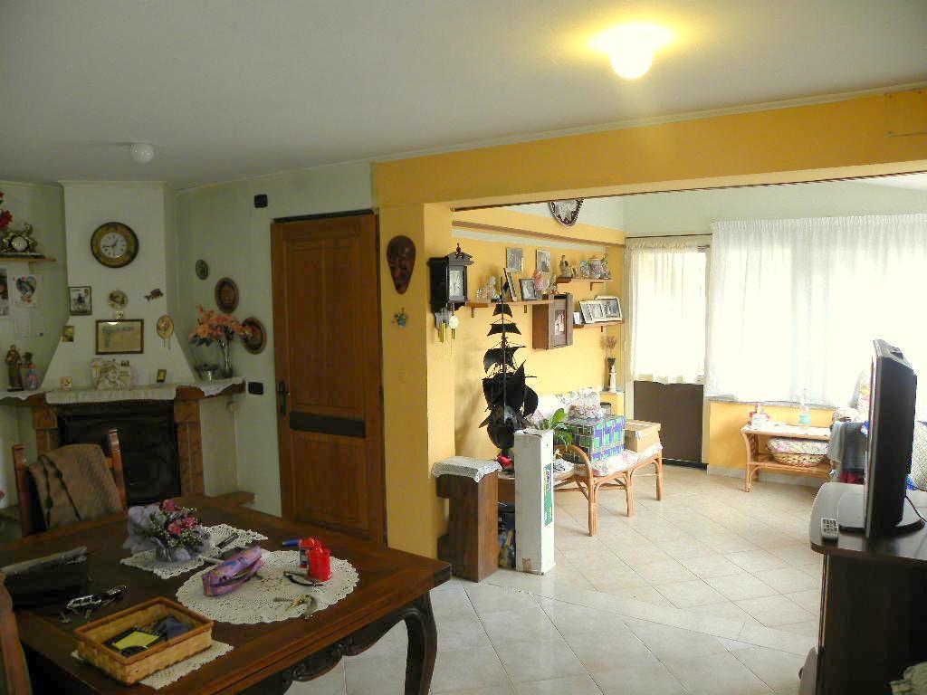 Soluzione Indipendente in vendita a Latina, 4 locali, zona Zona: Borgo Sabotino, prezzo € 89.000 | Cambio Casa.it