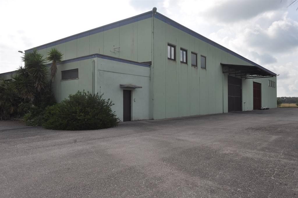 Capannone in vendita a Latina, 9999 locali, zona Località: PICCARELLO-PIAZZA MORO, prezzo € 5.000 | Cambio Casa.it
