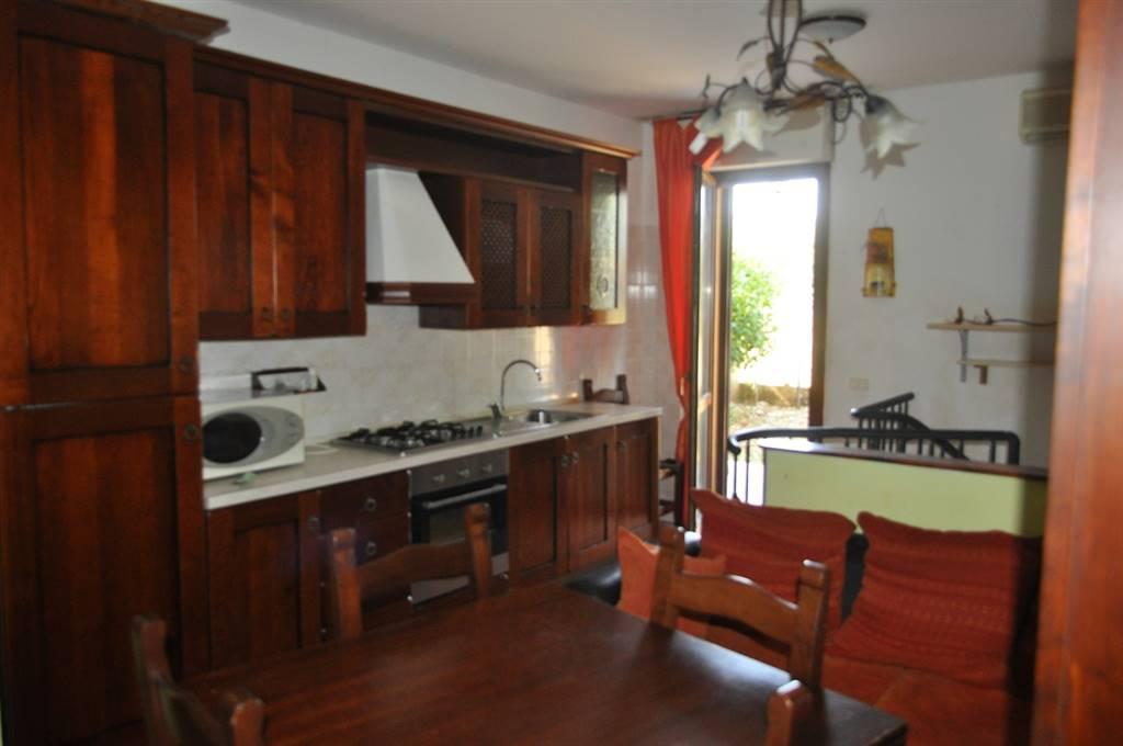 Appartamento in vendita a Latina, 4 locali, zona Zona: Borgo Bainsizza, prezzo € 105.000 | Cambio Casa.it