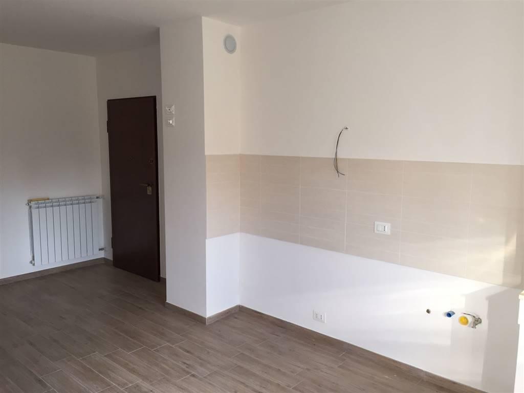 Appartamento in affitto a Latina, 3 locali, zona Località: AUTOLINEE, prezzo € 480 | Cambio Casa.it