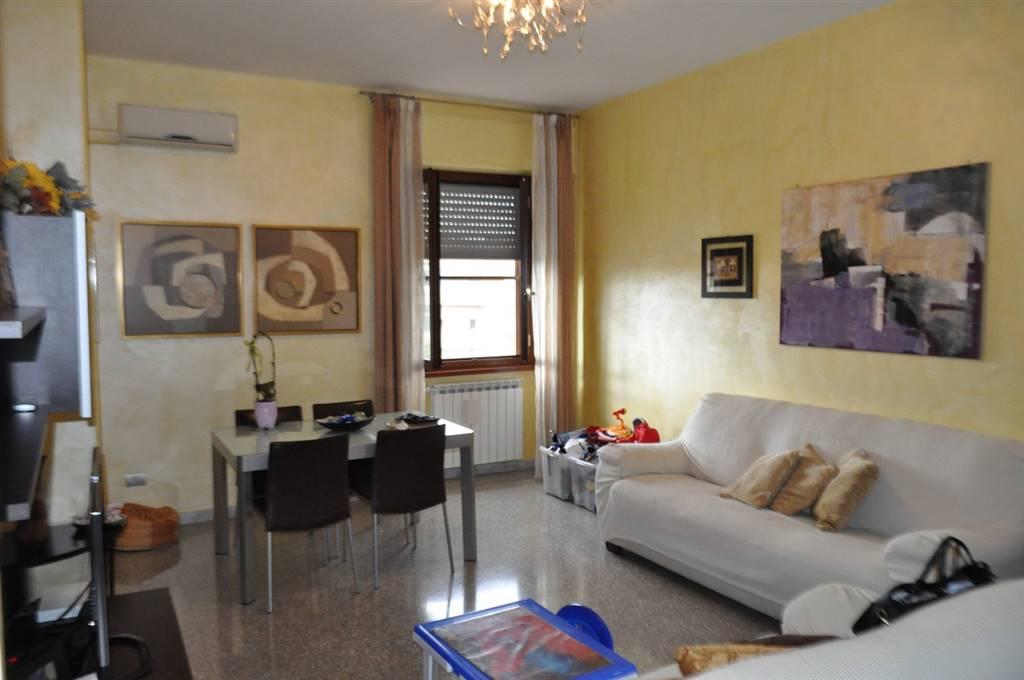Appartamento in vendita a Latina, 6 locali, zona Località: STADIO, prezzo € 150.000 | Cambio Casa.it