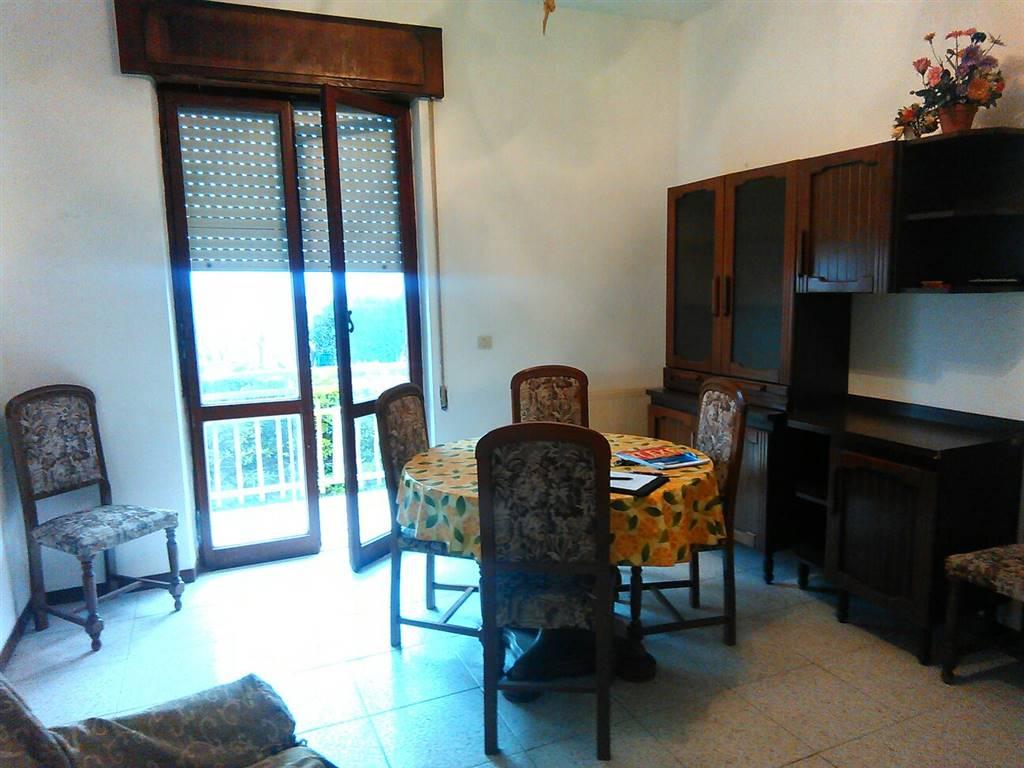 Appartamento in vendita a Latina, 3 locali, zona Località: LUNGOMARE, prezzo € 140.000 | Cambio Casa.it