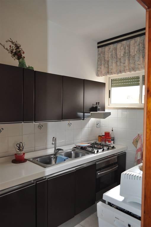 Appartamento in vendita a Latina, 4 locali, zona Località: ISONZO, prezzo € 250.000 | Cambio Casa.it