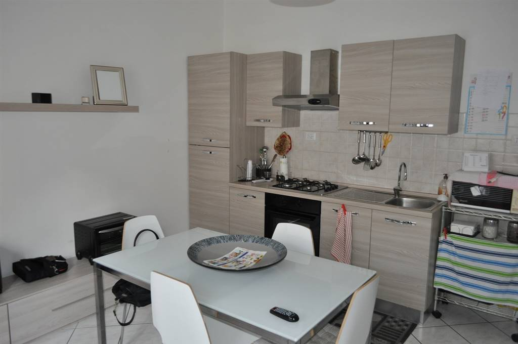 Appartamento in affitto a Latina, 3 locali, zona Località: CENTRALE, prezzo € 430 | Cambio Casa.it