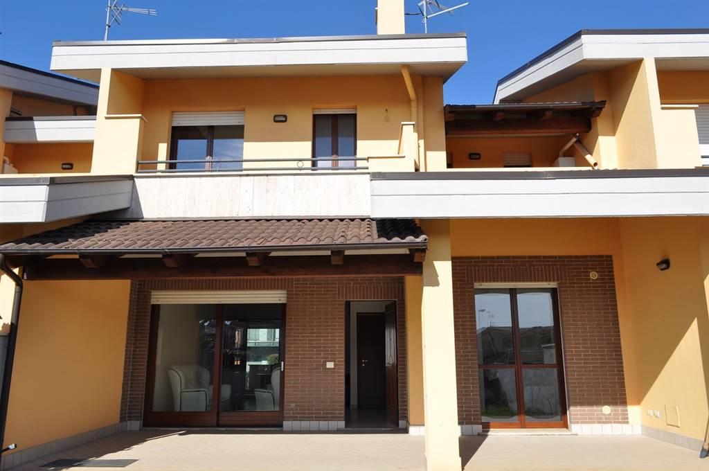 Villa a Schiera in Vendita a Latina