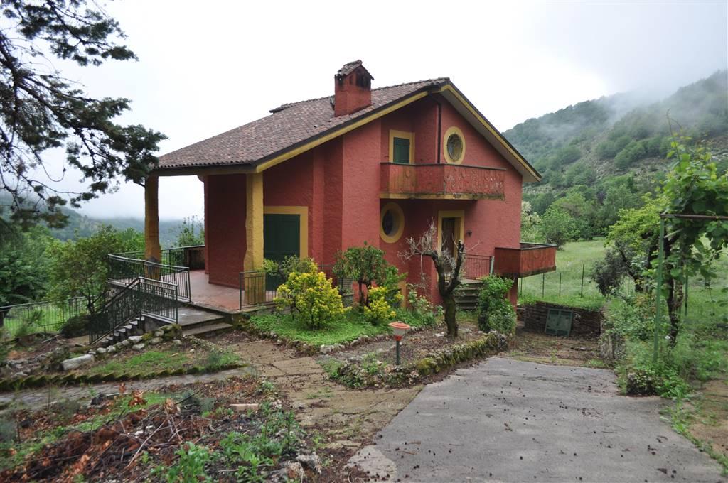 Villa-Villetta  in Vendita a Maenza