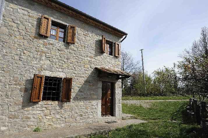 Casa Indipendente vendita SEMPRONIANO (GR) - 5 LOCALI - 90 MQ