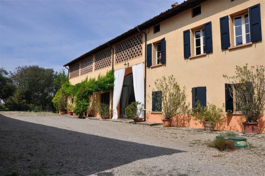Rustico casale, Canali, Reggio Emilia, in ottime condizioni