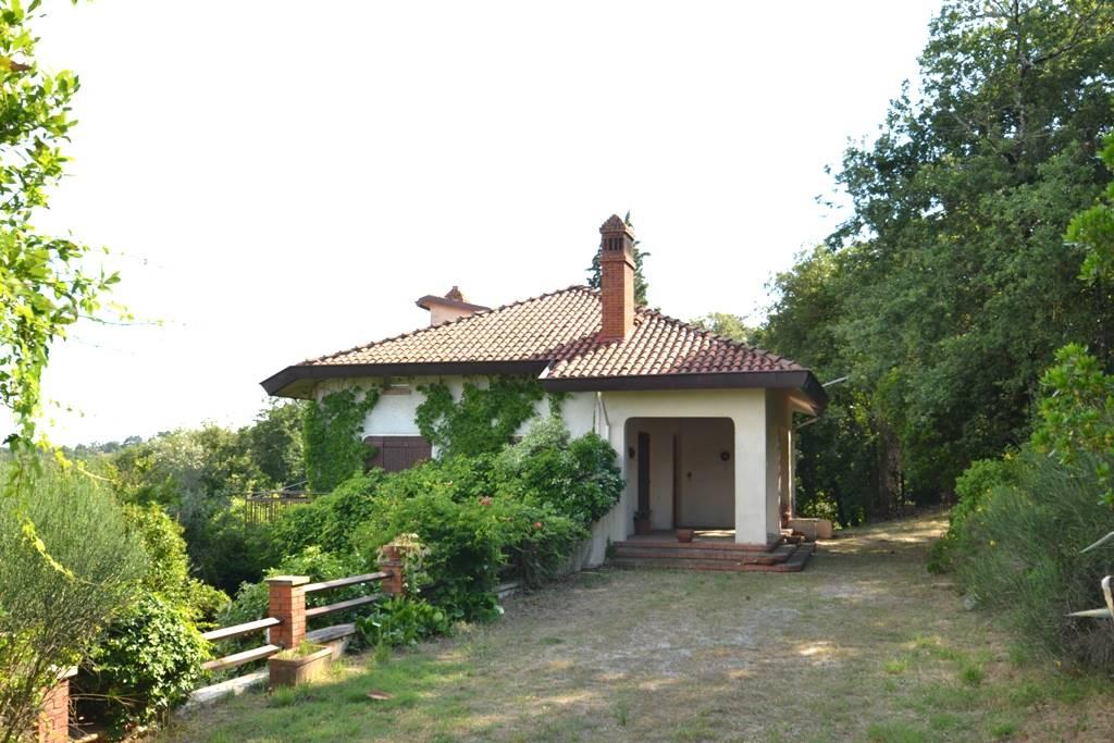 Villa-Villetta  in Vendita a Civitella In Val Di Chiana