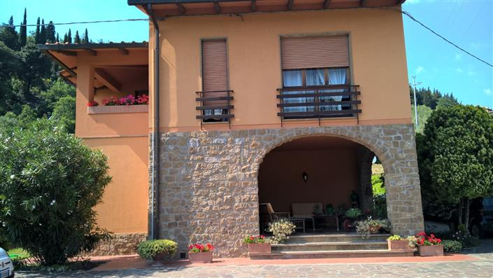 Villa in vendita a Calenzano, 10 locali, zona Zona: Legri, prezzo € 830.000 | CambioCasa.it