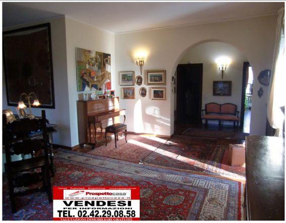Villa in vendita a Trezzano sul Naviglio, 5 locali, prezzo € 790.000 | Cambio Casa.it