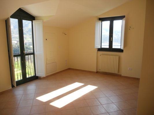 Appartamento in vendita a Pellezzano, 2 locali, prezzo € 95.000 | CambioCasa.it