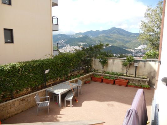 Appartamento in vendita a Salerno, 4 locali, zona Zona: Casa Manzo, prezzo € 375.000 | Cambiocasa.it