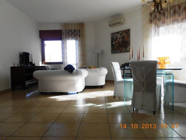 Appartamento in vendita a Salerno, 5 locali, zona Zona: Carmine,  | Cambiocasa.it