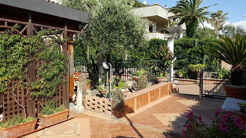 Villa in vendita a Salerno, 11 locali, zona Località: SAN LEONARDO / ARECHI / MIGLIARO, prezzo € 430.000 | CambioCasa.it