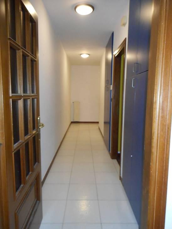 Appartamento in vendita a Pellezzano, 5 locali, zona Località: CAPEZZANO INFERIORE, prezzo € 194.000 | CambioCasa.it