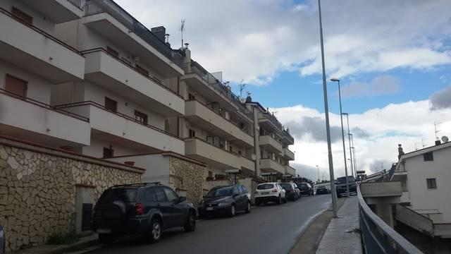 Appartamento in vendita a Pellezzano, 5 locali, zona Località: CHIUIANO, prezzo € 250.000 | CambioCasa.it