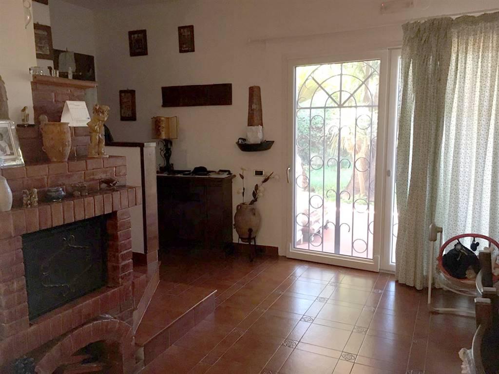 Villa in vendita a Pontecagnano Faiano, 5 locali, zona Località: MAGAZZENO, prezzo € 290.000 | CambioCasa.it