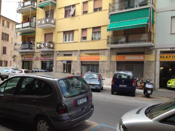 Locale commerciale, Mazzetta, La Spezia, da ristrutturare