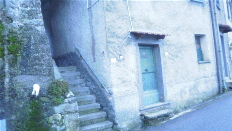 Appartamento in vendita a Riccò del Golfo di Spezia, 3 locali, zona Località: CASELLA, prezzo € 45.000 | CambioCasa.it