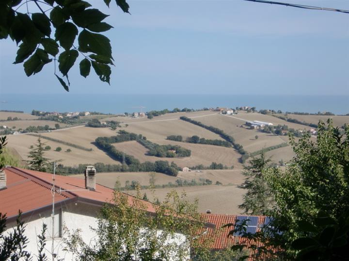 Villa in vendita a Ancona, 10 locali, zona Zona: Sappanico, prezzo € 550.000 | CambioCasa.it