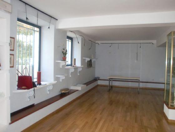 Negozio / Locale in vendita a Ancona, 9999 locali, zona Zona: Centro, Trattative riservate | CambioCasa.it