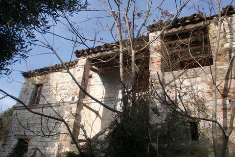 Rustico casale, Poggio Di Ancona, Ancona, da ristrutturare