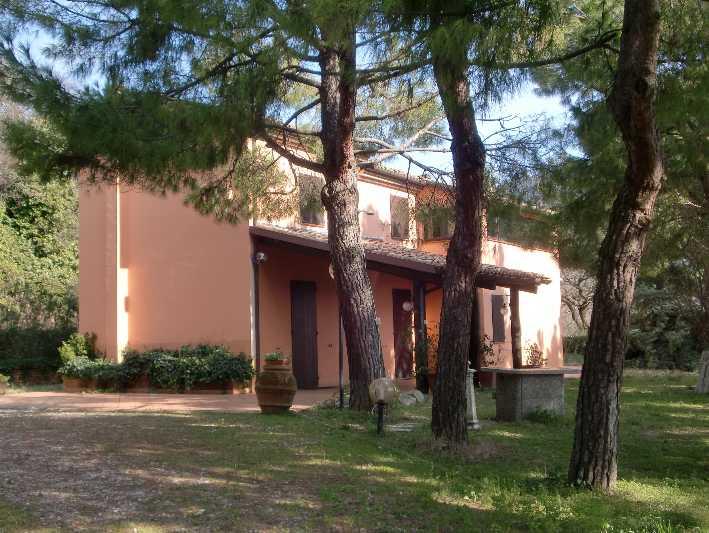 Villa in vendita a Ancona, 7 locali, zona Zona: Poggio di Ancona, Trattative riservate | CambioCasa.it