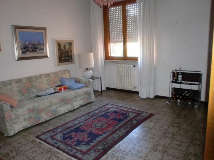 Appartamento in affitto a Ancona, 6 locali, zona Località: REGIONE, prezzo € 650 | CambioCasa.it