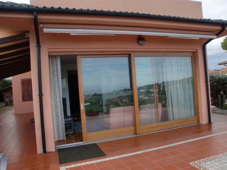 Villa in vendita a Numana, 8 locali, zona Zona: Numana Alta, Trattative riservate   CambioCasa.it