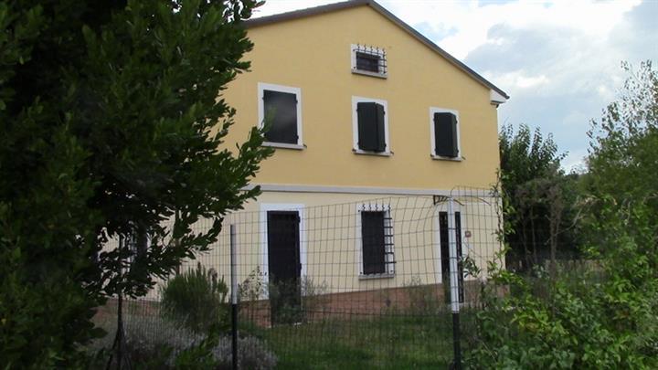 Soluzione Indipendente in affitto a Ancona, 5 locali, zona Zona: Casine di Paterno, prezzo € 800 | Cambio Casa.it