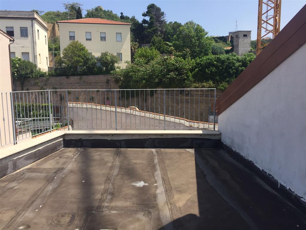 Attico / Mansarda in vendita a Ancona, 6 locali, zona Zona: Centro storico, prezzo € 350.000 | CambioCasa.it