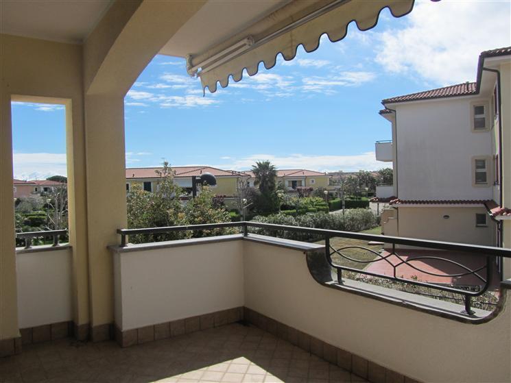 Appartamento in vendita a Porto Recanati, 4 locali, zona Zona: Quartiere Nord - Scossicci, prezzo € 140.000 | CambioCasa.it