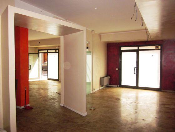 Locale commerciale, Centro Storico, Modena, abitabile