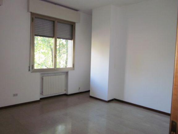 Ufficio, Prossimità Centro, Modena, seminuovo