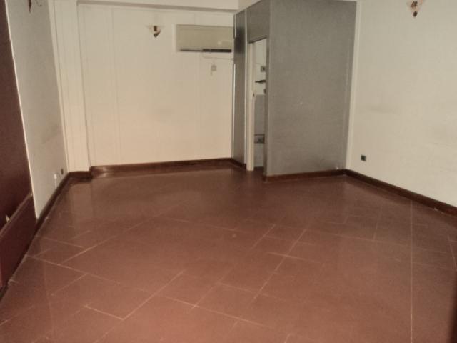 Negozio, Centro Storico, Modena, ristrutturato