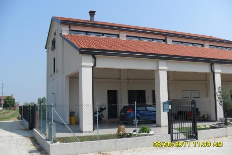 Rustico / Casale in vendita a Cavarzere, 7 locali, zona Zona: Rottanova, prezzo € 250.000 | CambioCasa.it
