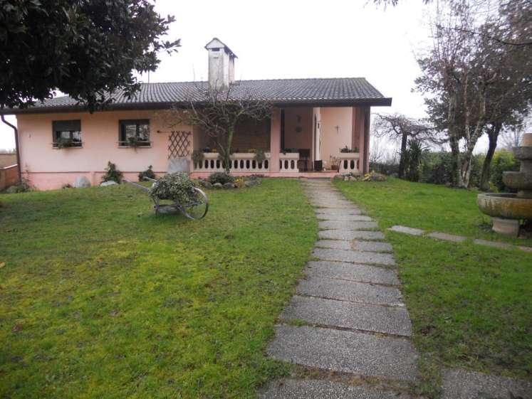 Villa in vendita a Vigonza, 7 locali, prezzo € 350.000 | CambioCasa.it