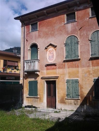 Vendita rustico casale gosaldo trova rustici casali for Piani di piccola fattoria avvolgono portico