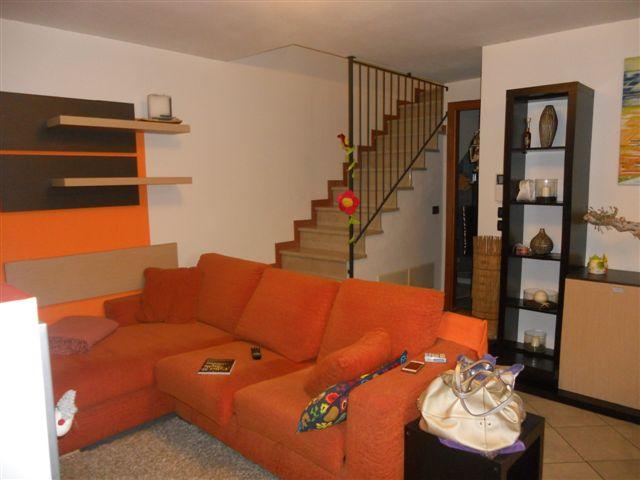 Soluzione Indipendente in vendita a Albignasego, 5 locali, zona Zona: Ferri (Santa Maria Annunziata), prezzo € 230.000   Cambio Casa.it